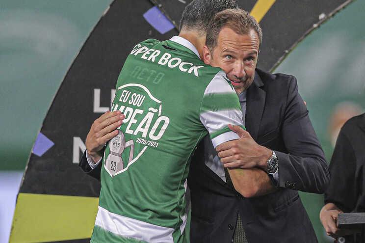 Sporting apresenta prejuízo de 33 milhões