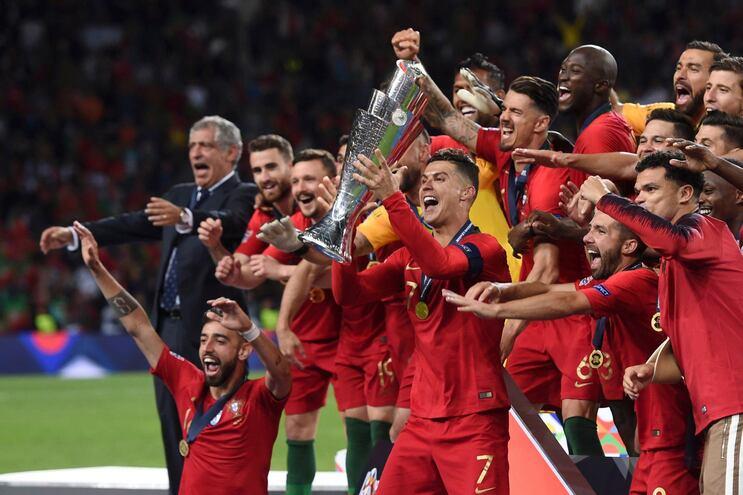 Redes sociais da Federação Portuguesa de Futebol no topo do Mundo