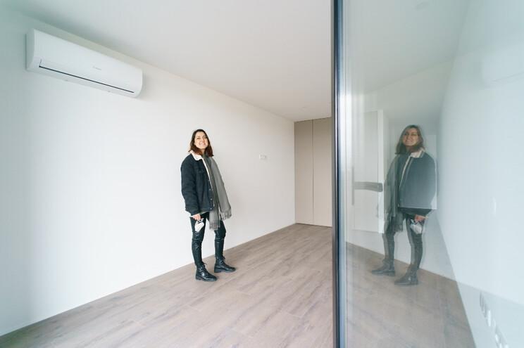 Catarina Faísca queria sair de casa dos pais, mas as rendas elevadas determinaram a compra  de apartamento