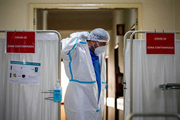 Há 103 profissionais de saúde infetados com covid-19 no Centro Hospitalar do Baixo Vouga (CHBV)