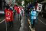 Enfermeiros em protesto junto ao Ministério para exigir contratação de precários