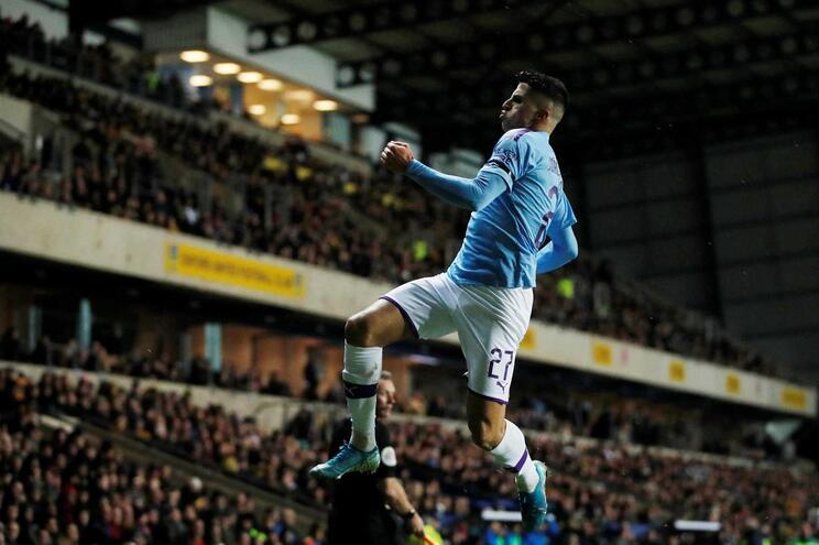João Cancelo marca na vitória do Manchester City na Taça da Liga inglesa