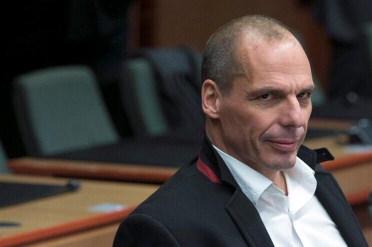 Varoufakis pede boicote à Amazon