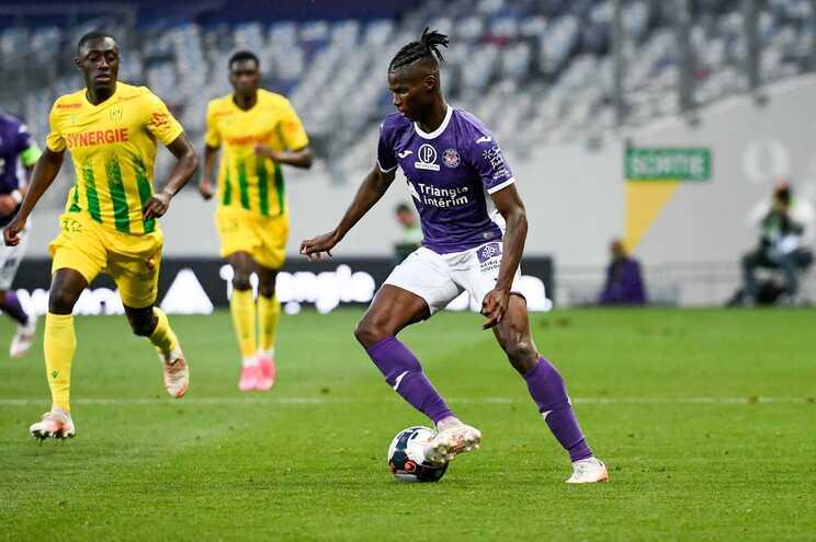 Nantes venceu em Toulouse para o play-off da Liga Francesa