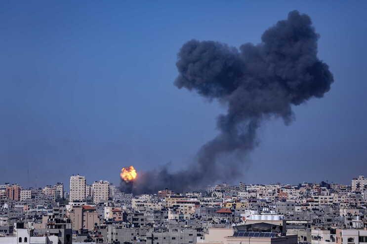 Desde que começou a onda de violência entre Israel e Gaza, na segunda-feira, morreram pelo menos 48 palestinianos