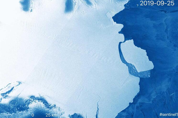 Iceberg D28 separa-se da Amery, a maior plataforma de gelo da Antártida