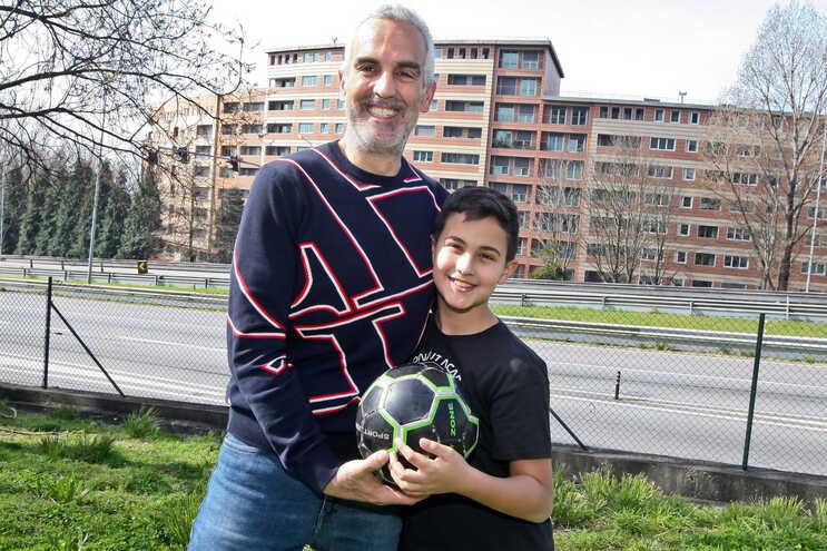 Nuno tem agora 81 quilos e já joga à bola e corre com o filho sem se cansar