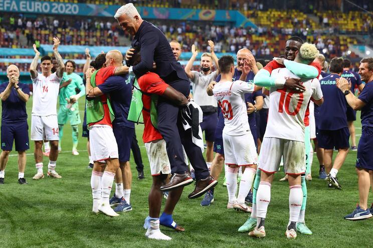 A Suíça eliminou a França campeã do mundo nas grandes penalidades