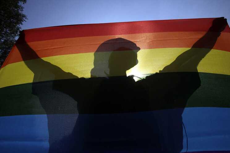 Lei sobre a proteção de menores, adotada em 15 de junho, é considerada discriminatória contra pessoas