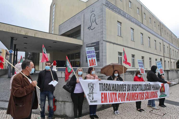 Trabalhadores dos hospitais privados exigem aumento salarial
