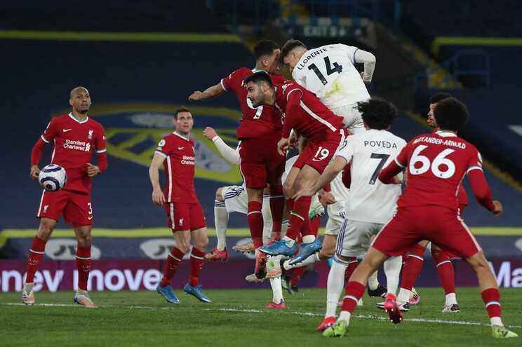 Diego Llorent, do Leeds, fez o golo do empate frente ao Liverpool aos 87 minutos