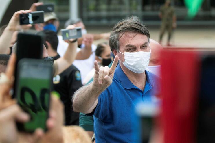 """Autarca de Manaus culpa """"discurso adolescente"""" de Bolsonaro por situação do Brasil"""