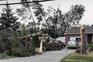 Destruição após tornado em Mascouche