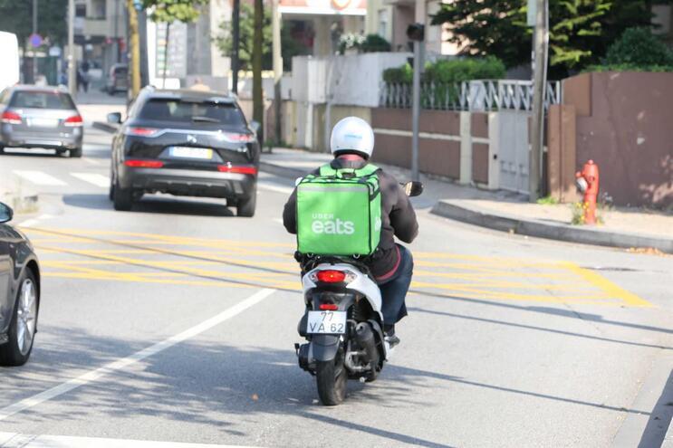 Sindicato acusa Ibersol de usar trabalhadores da Uber Eats para contornar greve