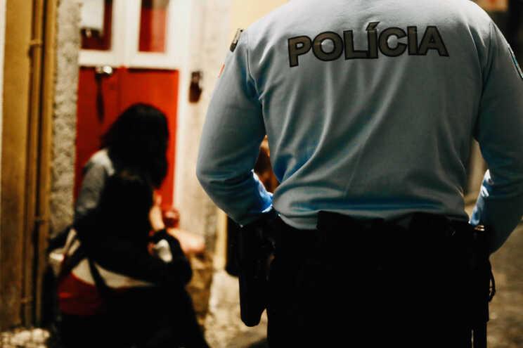 PSP dispersa centenas de pessoas em miradouro de Lisboa