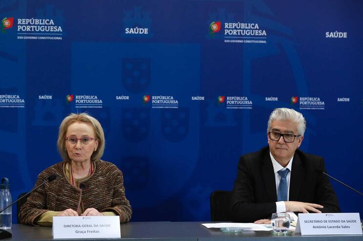 Diretora-geral da Saúde, Graça Freitas, e o secretário de Estado da Saúde, António Lacerda Sales