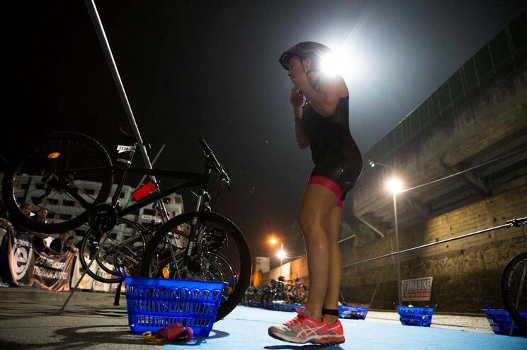 Vila Nova de Famalic‹o, 13/10/2018 - Prova de triatlo noturno em Famalic‹o. (Pedro Correia/Global Imagens)