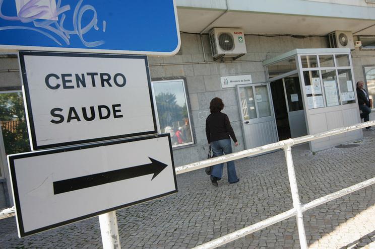 Funcionária de centro de saúde falsificava atestados