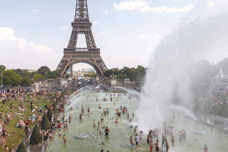 A 25 de julho de 2019, Paris, em França, esteve sob uma temperatura de 42,6 graus centígrados