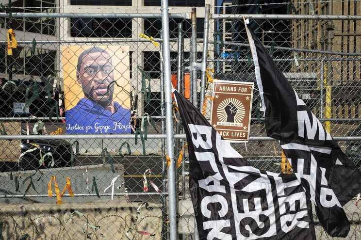 As sessões do julgamento de Derek Chauvin serão retomadas na segunda-feira