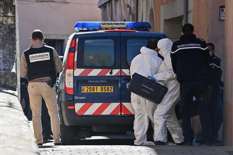 Centenas de pessoas na última despedida a Carlos Soares em França