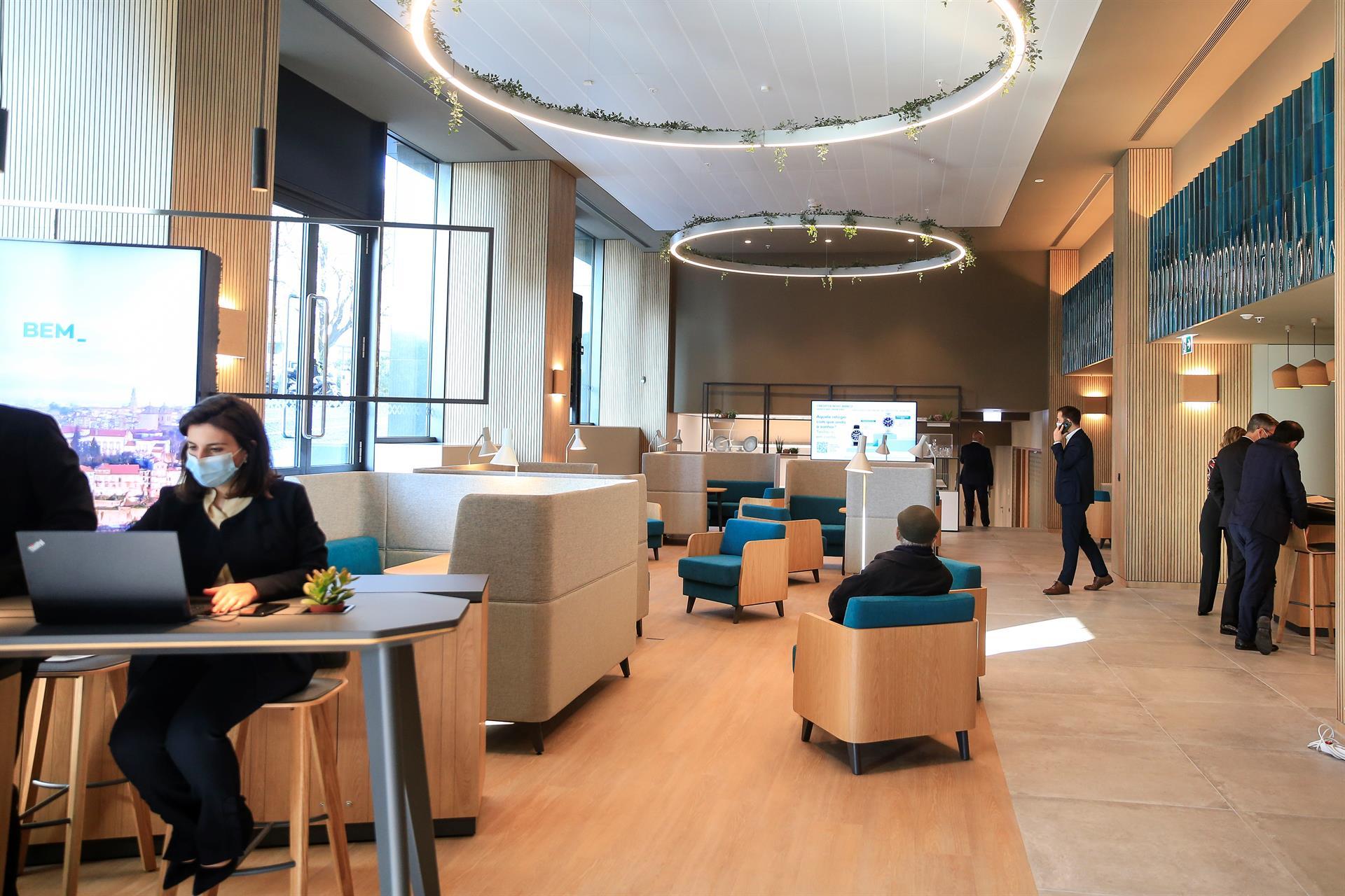 Novo Banco inaugura no Porto primeiro de 16 novos espaços
