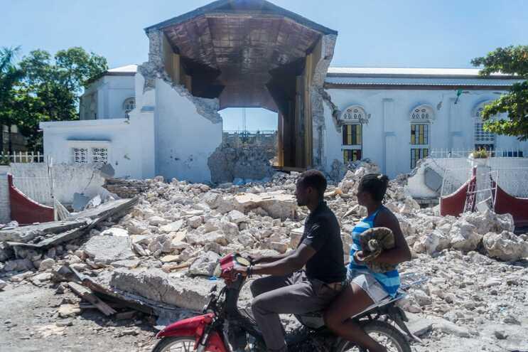 """Governo """"está a acompanhar a situação através da embaixada de Portugal em Havana"""""""