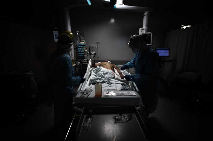 Mais 152 mortes no quinto dia seguido com mais de 10 mil casos