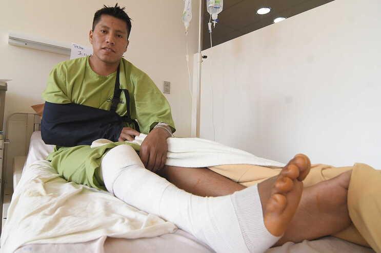 Erwin Tumiri sofreu ferimentos nas costas e num joelho