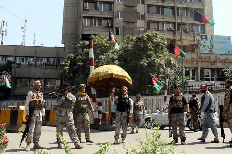 Em 15 de agosto, os talibãs entraram em Cabul e tomaram o palácio presidencial, no final de uma ofensiva-relâmpago