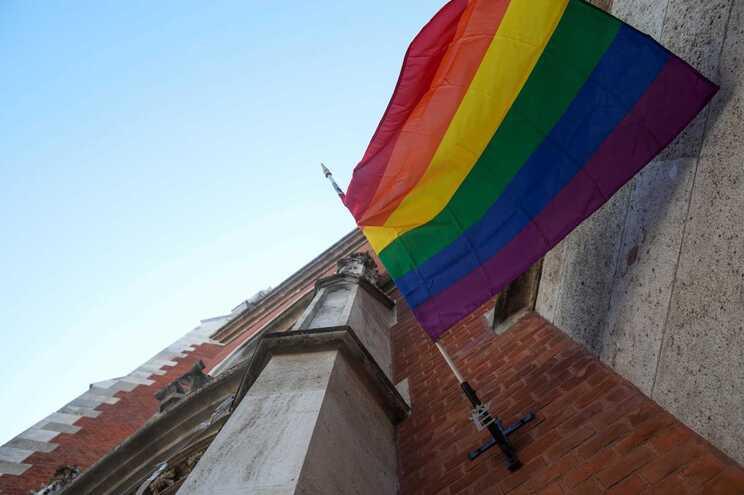 54% das pessoas LGBTQI sofreram bullying na escola pelo menos uma vez