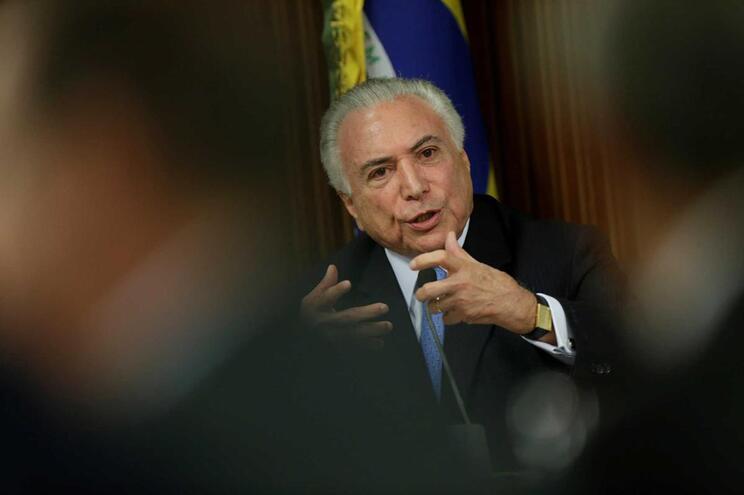 Supremo Tribunal do Brasil autoriza levantamento de segredo bancário de Temer