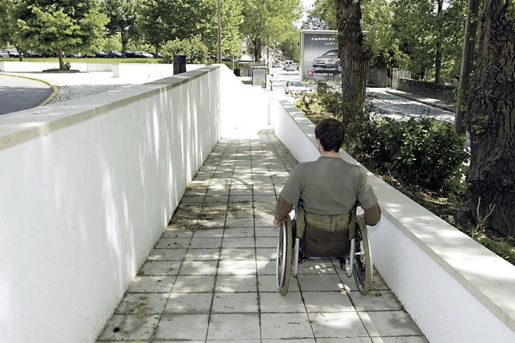 Maioria garante acessibilidade a pessoas com mobilidade condicionada