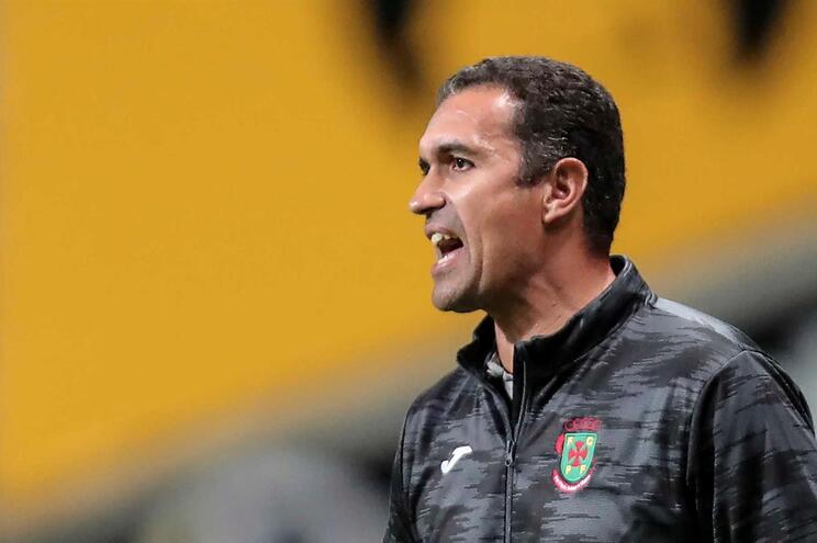 Filipe Rocha deixa o comando técnico do Paços de Ferreira