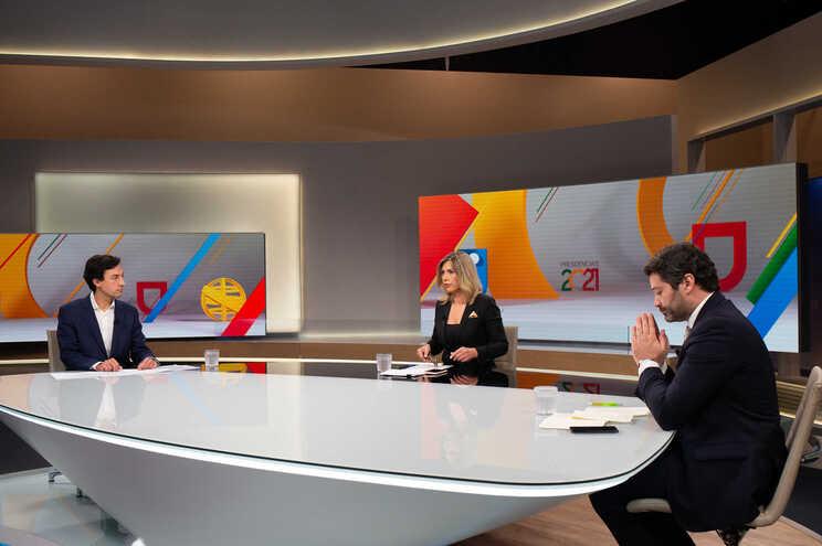 Debate entre Tiago Mayan e André Ventura, moderado pela jornalista Clara de Sousa