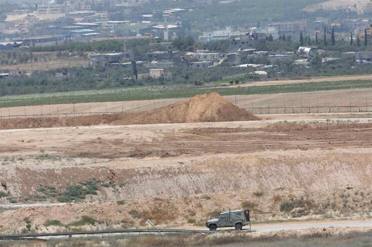 Israel responde a ataque e bombardeia área central da Faixa de Gaza