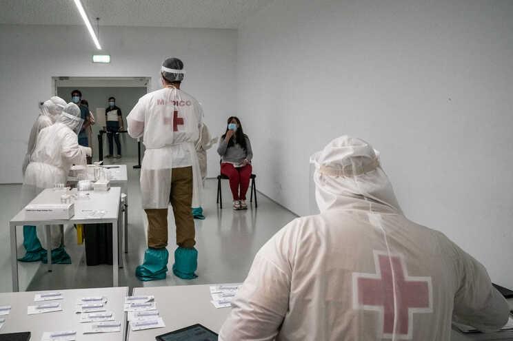 Nas últimas 24 horas recuperaram da doença 565 pessoas em Portugal