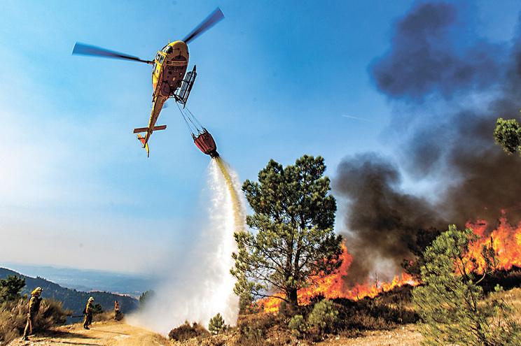 Força Aérea realiza pela primeira vez concurso dos meios aéreos de combate a fogos, de 2019 a 2022