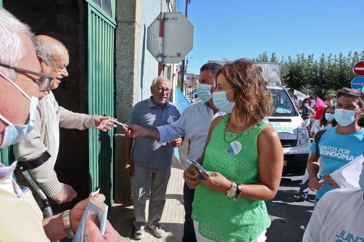 Marco Martins lado-a-lado com Sofia Martins, candidata à União de Freguesias de Fânzeres e S. Pedro da