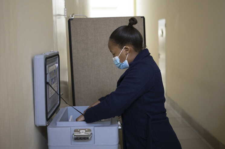 Atualmente estima-se que 130 mil africanos tenham morrido de SARS-CoV-2