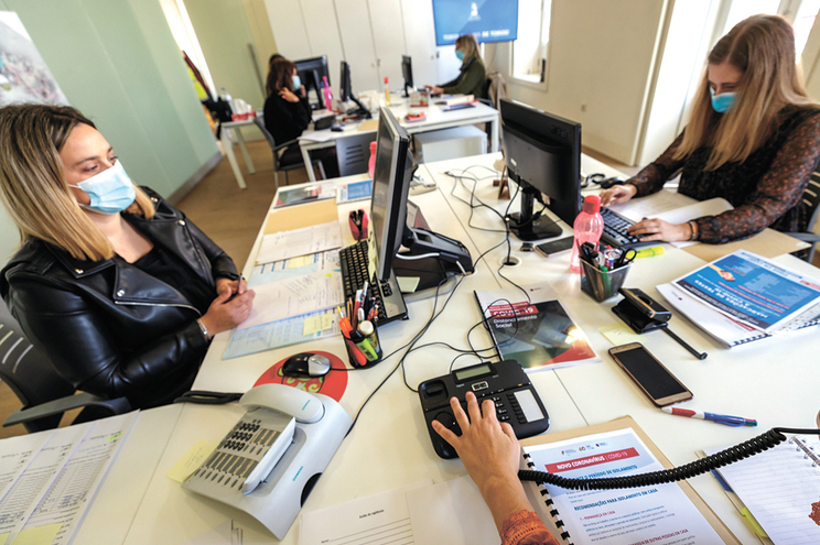 Técnicos do serviço de Ação Social da Câmara de Santo Tirso mobilizados para o apoio aos rastreios