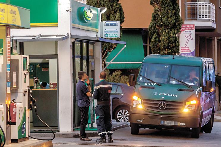Mais de 40% das rotas dos veículos de transporte de valores foram suprimidas