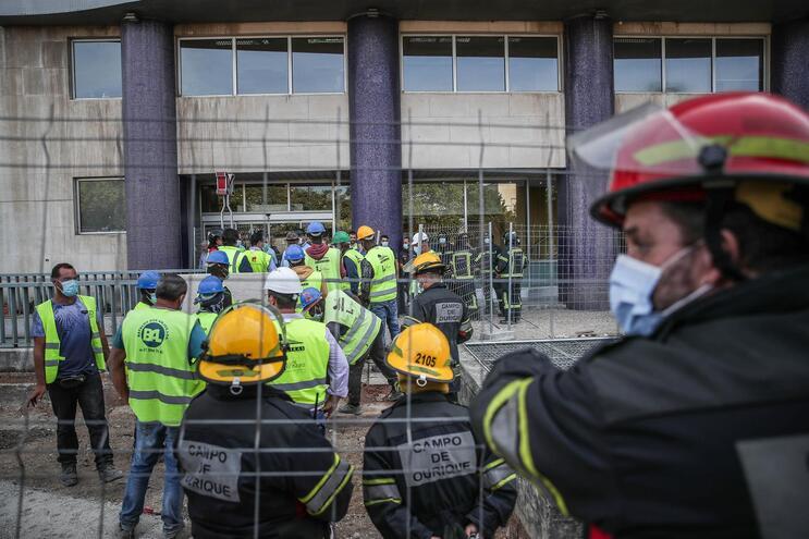 Quatro pessoas ficaram feridas no acidente de terça-feira