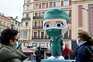 Estátua de homenagem aos profissionais de saúde, em Madrid