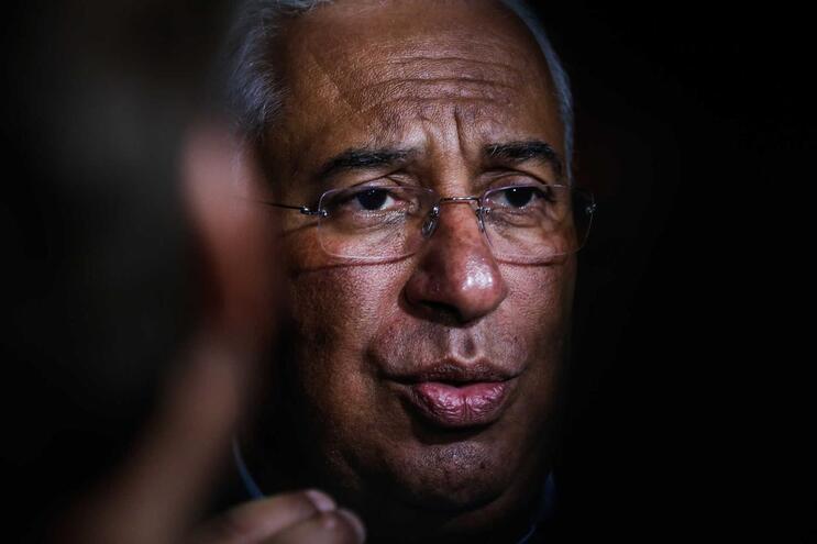 """Nova Lei de Bases da Saúde respeita """"linhas vermelhas"""" de Marcelo, diz Costa"""