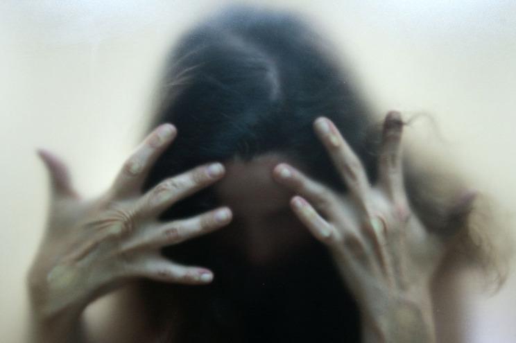 Por existir um maior controlo espacial da vítima por parte do agressor, o número de agressões físicas