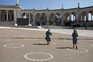 Círculos no Santuário visam garantir a distância entre os peregrinos