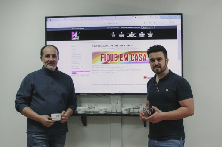 Ricardo Almeida e Pedro Jorge criaram logótipo para as canecas