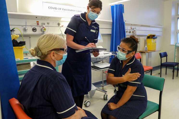Centro de vacinação do Hospital Universitário de Coventry