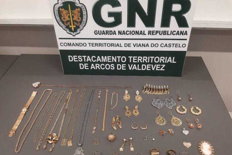 Militares da Guarda apuraram que tinham sido furtados diversos artigos em ouro